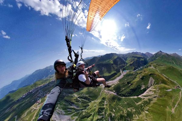 ОБЗОРНЫЙ ПОЛЕТ paragliding in Gudauri Georgia Sky Atlantida Team_compressed